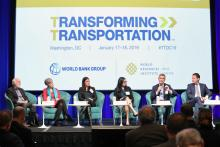 Painel durante o primeiro dia do Transforming Transportation 2019